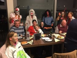 Gallery Halloweentocht met aansluitend kaas en wijnavond